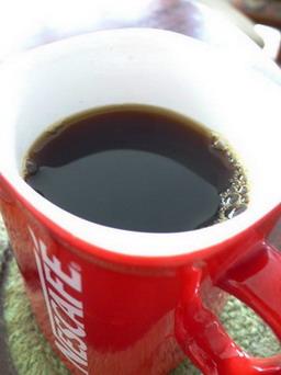 ได้แล้วครับกาแฟสดใหม่ในถ้วยอินสแตนท์ใบเก่า
